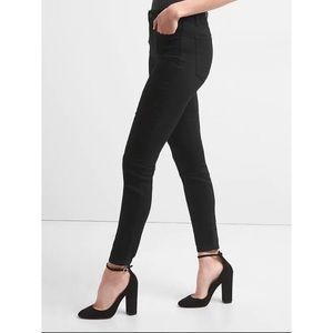 Denim - GAP Mid Rise True Skinny Jeans